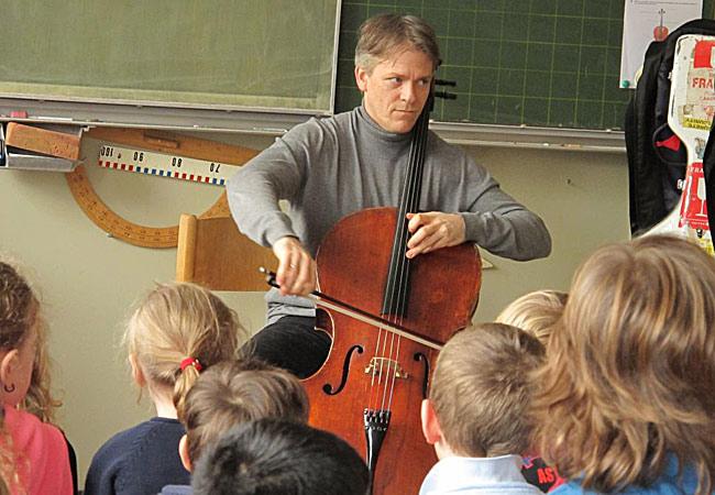 Alban Gerhardt, Cello, in Köln, Grüngürtelschule Rodenkirchen