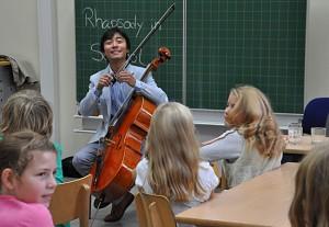 Bonian Tian, Cello, in Köln, GGS Müngersdorf