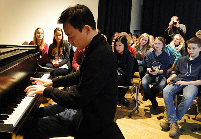 William Youn, Piano, in Hannover Bismarckschule