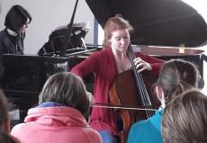 Harriet Krijgh, Cello und Magda Amara, Piano, in Neuss, Gesamtschule an der Erft