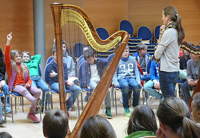Bettina Linck, Harfe, in Bad Homburg, Humboldtschule