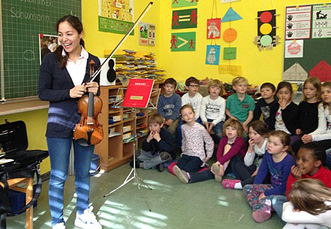 Lisa Schumann, Violine, in Köln, Grüngürtelschule Rodenkirchen