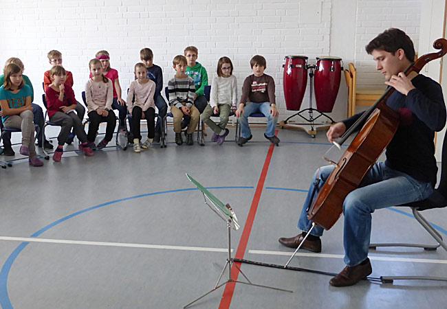 Maximilian Hornung, Cello, in Pommersfelden, Grundschule