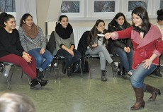 Becca Jo Loeb, Mezzosopran, in Hamburg, Nelson-Mandela-Schule