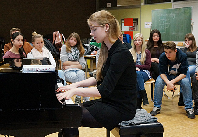 Julia Rinderle, Piano, in Sarstedt, Gymnasium Sarstedt©klaus peters - atelier ph