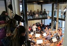 Nabil Shehata, Kontrabass und Andrej Bielow, Violine, mit Orchester M18 in Wolfenbüttel, Gymnasium im Schloss