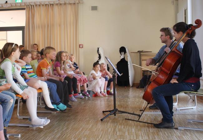Julian Steckel, Cello, in Rostock, Werkstattschule