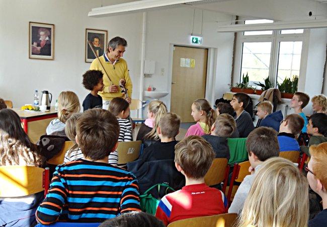 Ramòn Jaffé (Cello), Leipzig, Wilhelm-Hauff-Grundschule
