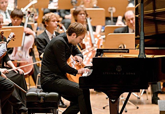 Herbert Schuch, Düsseldorfer Symphonikern und Jugendsinfonieorchester der Tonhalle © S. Diesner