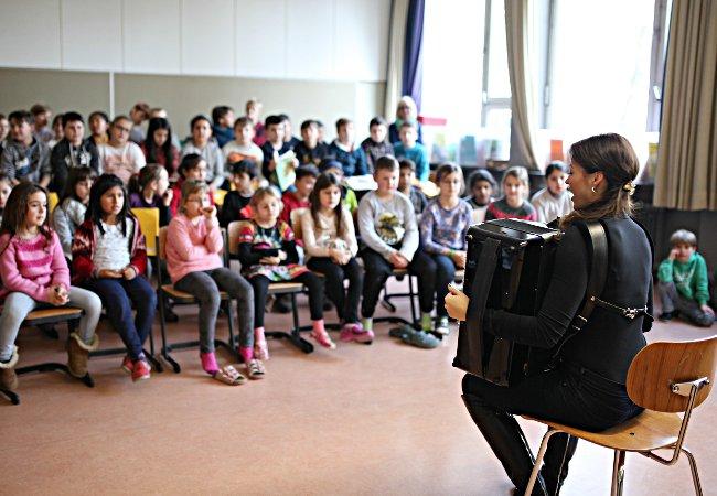 Ksenija Sidorova (Akkordeon), Stuttgart, Hohensteinschule © O. Guskova