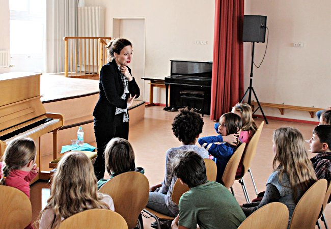 Dudana Mazmanishvili (Piano), Berlin, Adolf-Glaßbrenner-Grundschule
