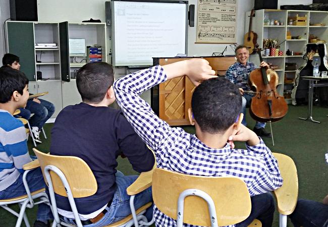 Alban Gerhardt (Cello), Berlin, Grundschule an der Bäke