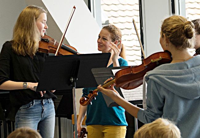 Carolin Widmann (Violine), Speyer, Gymnasium am Kaiserdom©Schwetzinger Festspiele