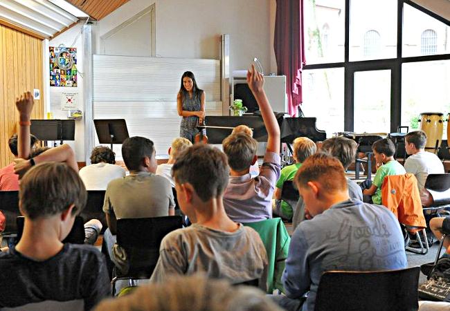 Leticia Moreno (Violine), Mainz, Bischöfliches Willigis-Gymnasium © RMF /Ansgar Klostermann